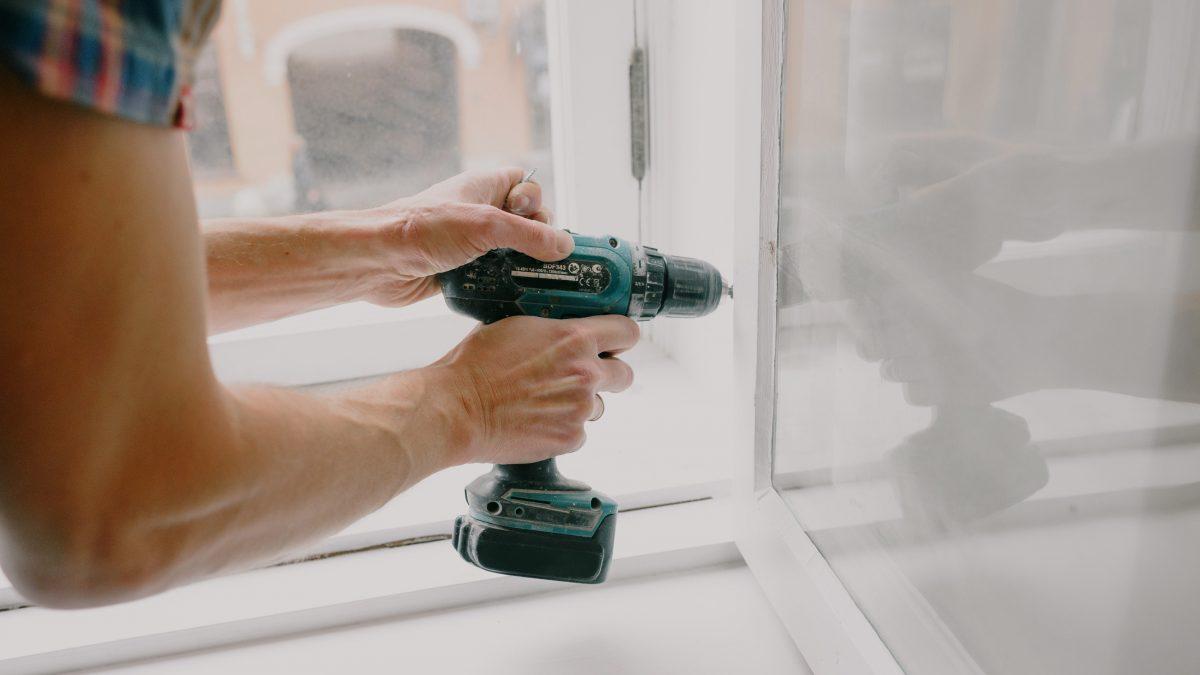 fixing window